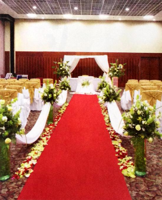 Arreglo-floral-boda-rosas-azucenas-detalle