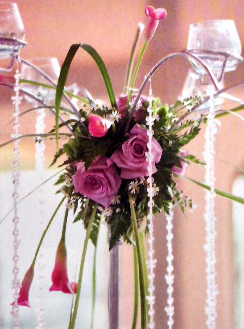 Arreglo-floral-bodas-rosas-lila-lirios-detalle