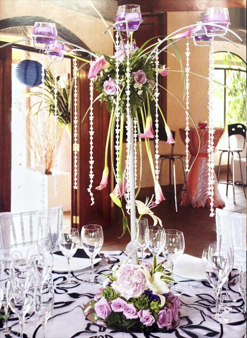 Arreglo-floral-bodas-rosas-lila-lirios