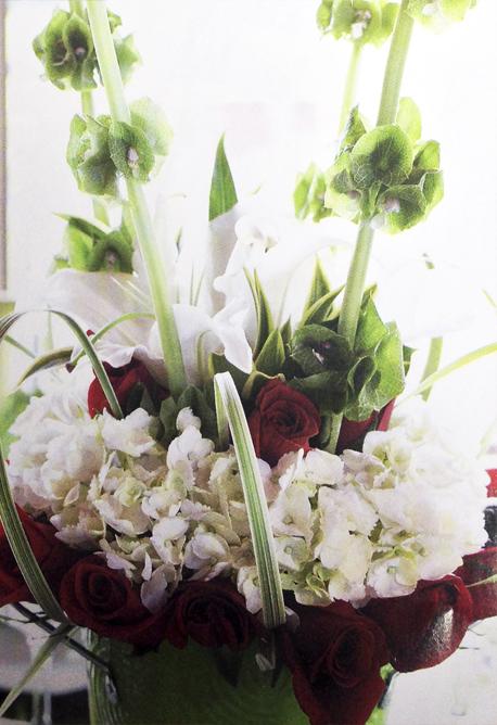 Adorna-facil-con-flores-blancas-tu-centro-de-mesa-detalle