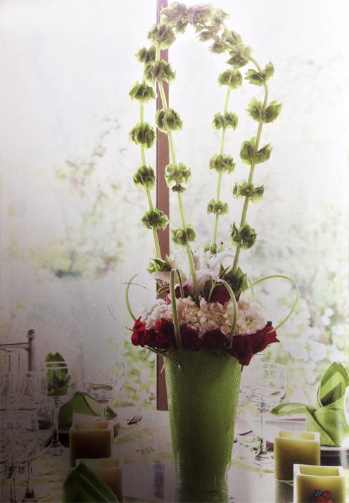 Adorna-facil-con-flores-blancas-tu-centro-de-mesa