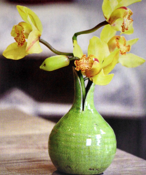 Crea-un-centro-de-mesa-floral-con-orquídeas-rapidamente