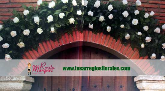 Arco-flores-entrada-matrimonio