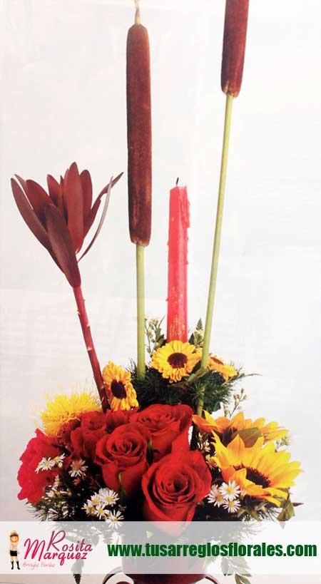 Arreglo-floral-romantico-con-rosas-rojas