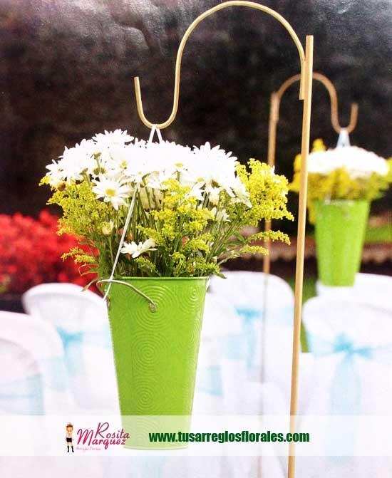 decoracion-floreros-colores-para-bodas